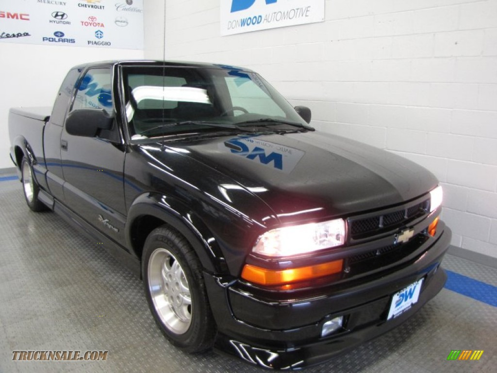 Onyx black graphite chevrolet s10 xtreme extended cab