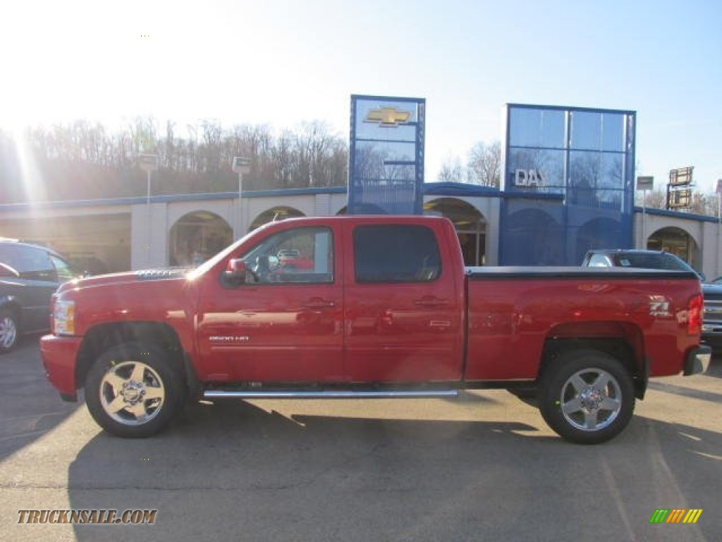 2012 chevrolet silverado 2500hd lt crew cab 4x4 in victory red photo 2 138170 truck n 39 sale. Black Bedroom Furniture Sets. Home Design Ideas