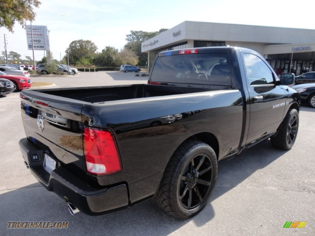 2012 Dodge Ram 1500 Express Regular Cab in Black photo #7 - 136376