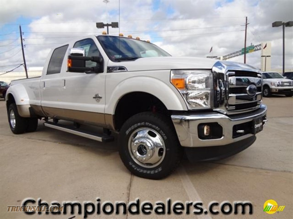 2012 Ford F350 Super Duty Lariat Crew Cab 4x4 Dually in White Platinum