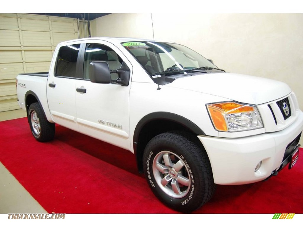 2011 nissan titan pro 4x crew cab 4x4 in blizzard white 315894 truck n 39 sale. Black Bedroom Furniture Sets. Home Design Ideas