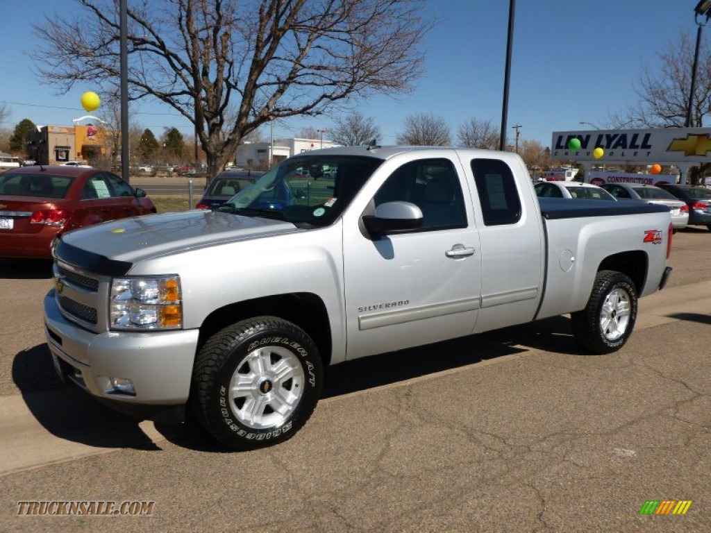 2011 chevrolet silverado 1500 lt extended cab 4x4 in sheer silver metallic 217878 truck n 39 sale. Black Bedroom Furniture Sets. Home Design Ideas