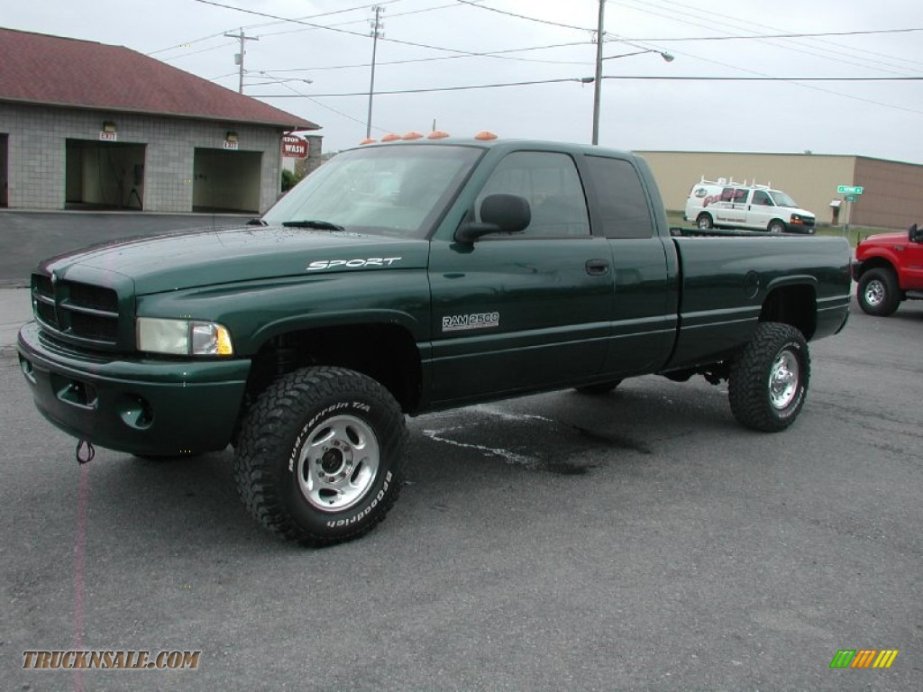 2000 dodge ram 2500 slt extended cab 4x4 in forest green pearlcoat photo 2 157752 truck n 39 sale. Black Bedroom Furniture Sets. Home Design Ideas