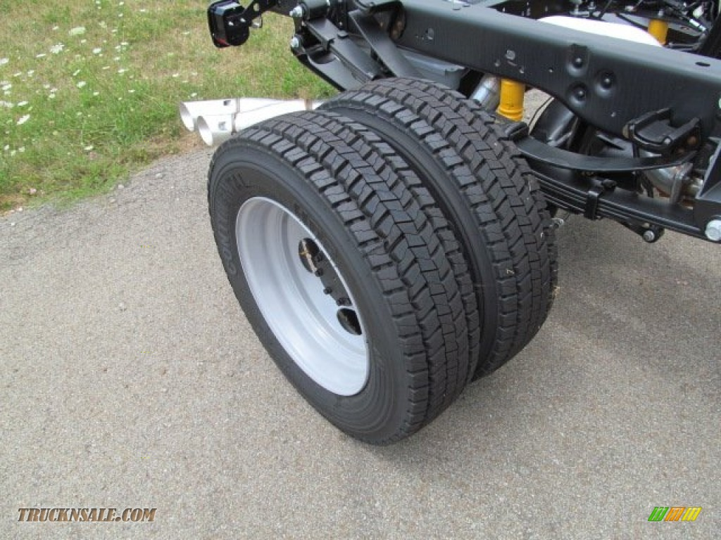 2012 Ford F450 Super Duty Xl Regular Cab Chassis 4x4 In