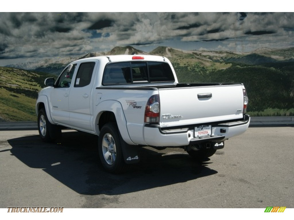 2013 toyota tacoma v6 trd sport double cab 4x4 in super white photo 2 103961 truck n 39 sale. Black Bedroom Furniture Sets. Home Design Ideas