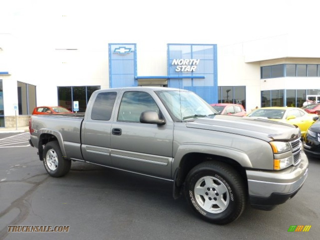 2013 chevy silverado 1500 z71 extended cab graystone for Wright motors evansville in