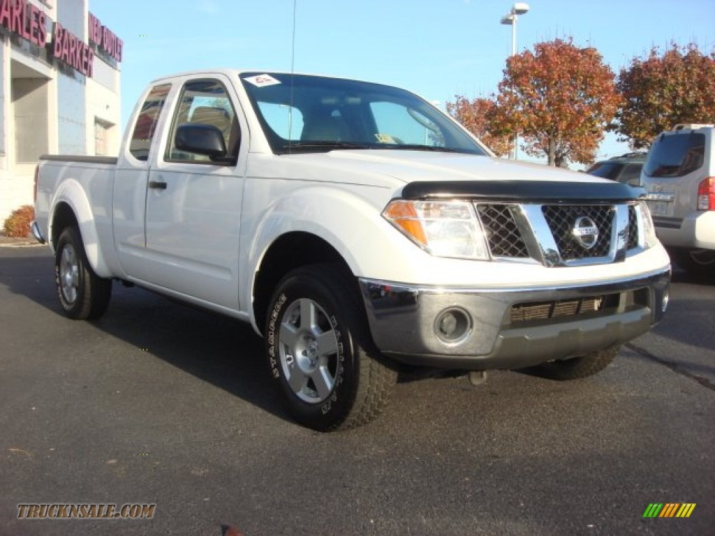 2008 nissan frontier se king cab 4x4 in avalanche white 429997 truck n 39 sale. Black Bedroom Furniture Sets. Home Design Ideas