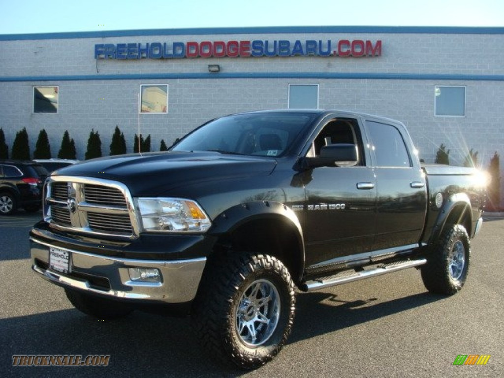 2011 dodge ram 1500 big horn crew cab 4x4 in brilliant black crystal pearl 516455 truck n 39 sale. Black Bedroom Furniture Sets. Home Design Ideas