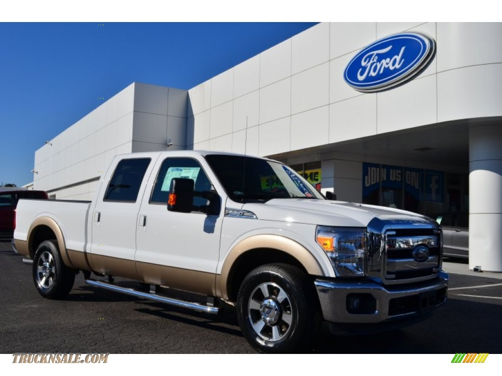Oxford White / Black Ford F250 Super Duty Lariat Crew Cab